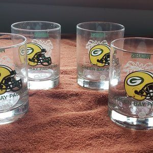 Set of 4 Vintage Packers Superbowl XXXI glasses